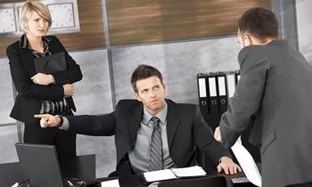 страх увольнения
